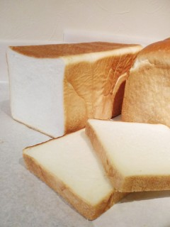 もっちりしっとり食パン/サクッと香ばしい食パン